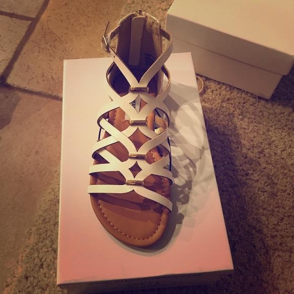Steve Madden Other - Brand New girls Steve Madden Sandals size 2